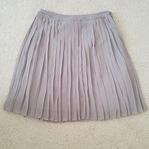 LC Lauren Conrad pleated skirt